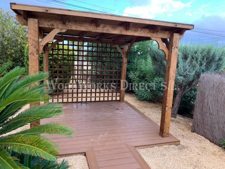 Flat Roofed Gazebo With Trellis And Composite Decking