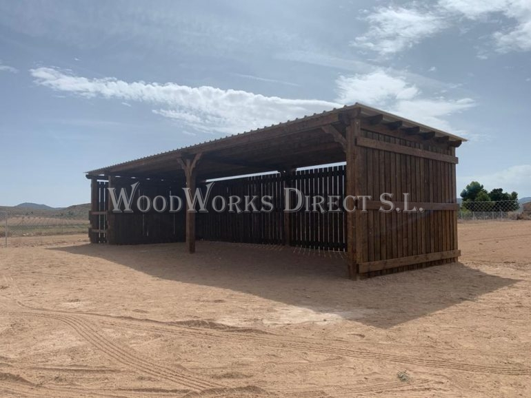 horse shelter and stable Pinoso