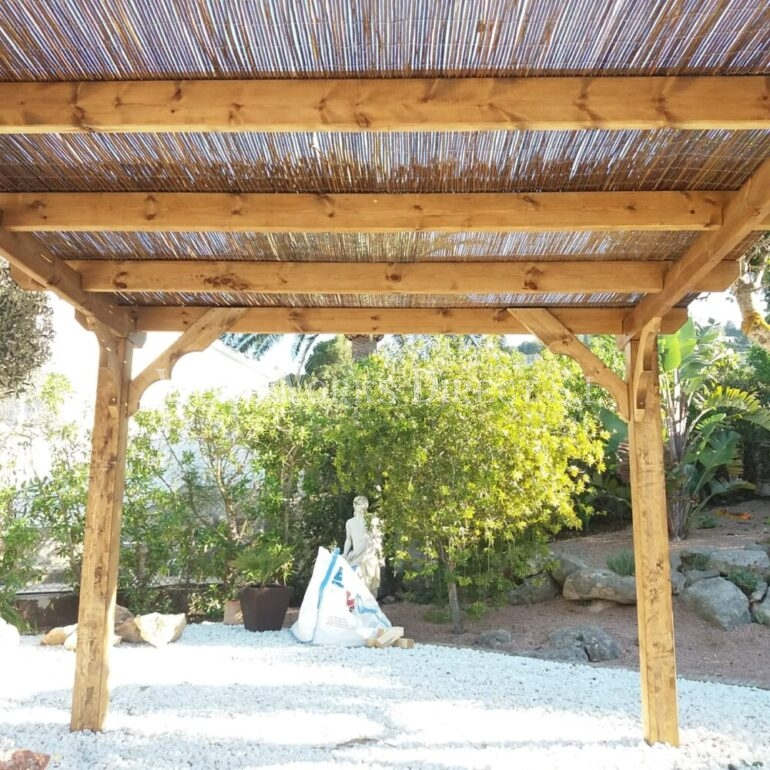 Pergola Bamboo posts timber